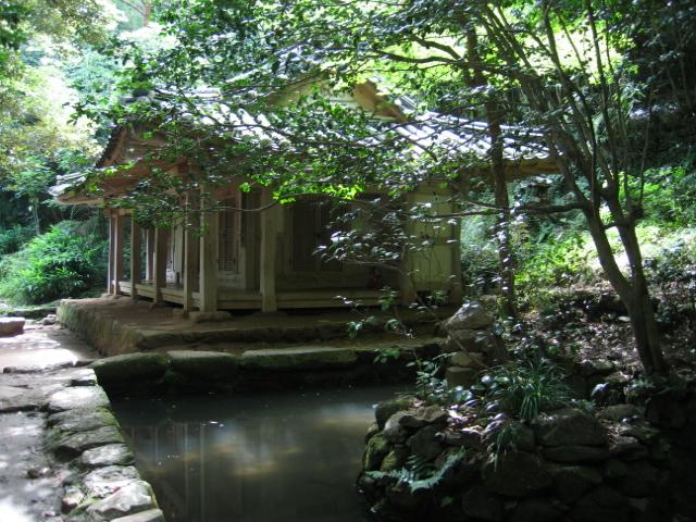 다산초당과 연못(연지석가산)